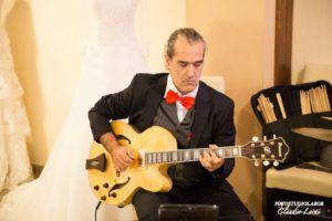 www.dejavumusica.it - Jazz in Sardegna swing Happy professional wedding guitar